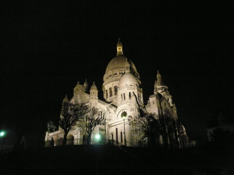 Sacre Coeur night