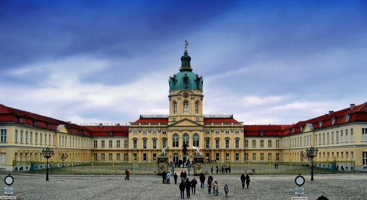 charlottenburg-palace-113738_1920