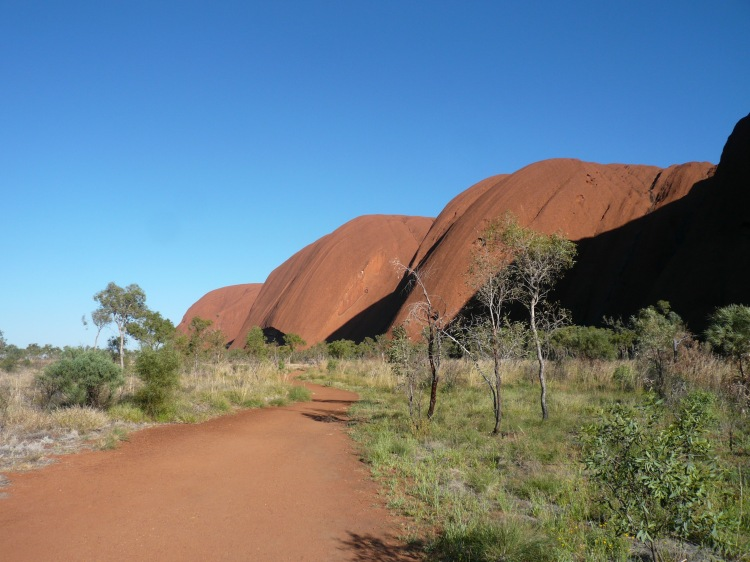 Uluru walk around