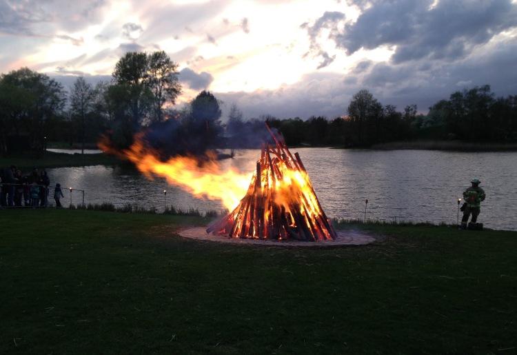 easter-fire-dusk