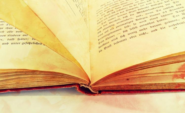 book-2165594_1920.jpg