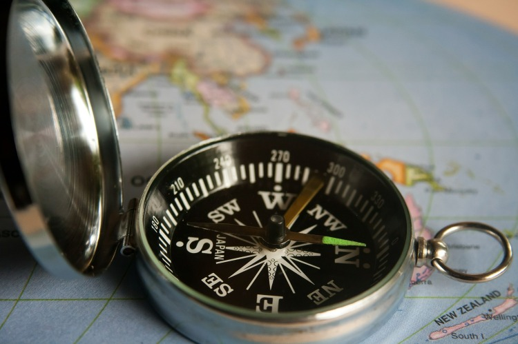 magnetic-compass-390912_1920.jpg