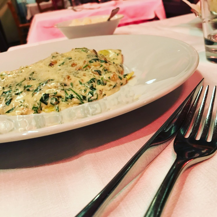 Creamy walnut and Spinach Ravioli