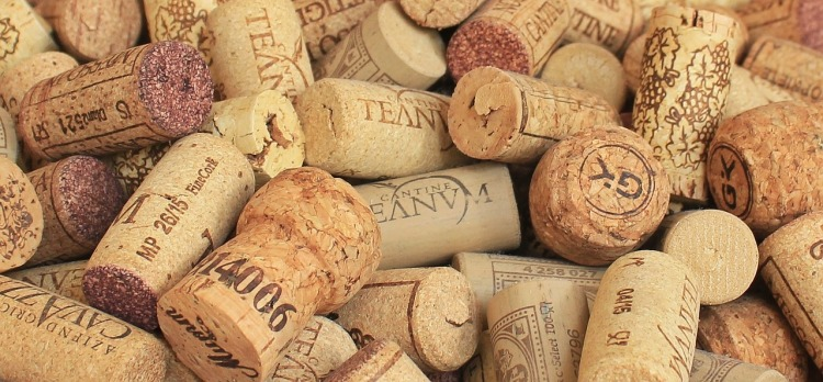 champagne-cork-1350404_1280